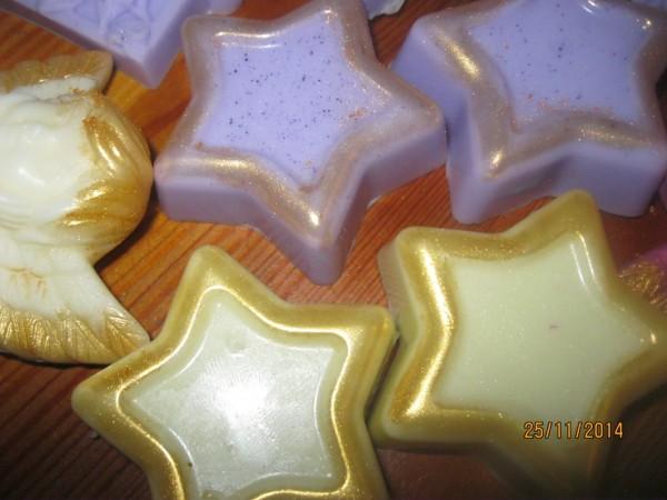 Weihnachtsstern mit Goldrand, vor Weihnachten, nur auf Bestellung