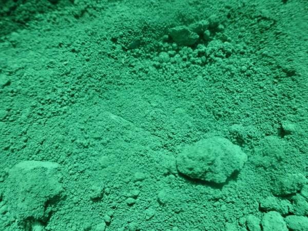 Spinellgrün, sattes grün, färbt intensiv